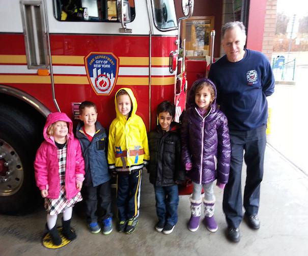 kids-at-fire-station-kars4kids-car-donation-educational-programs-flickr