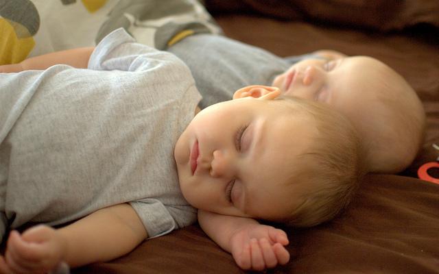 durmiendo gemelos