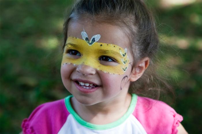 girl at Historic Richmond Town fair