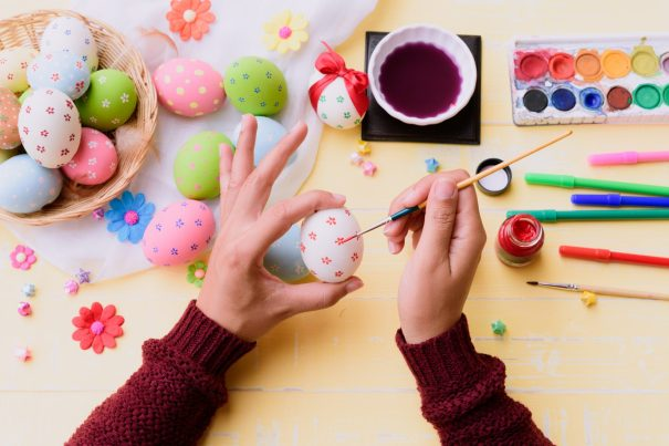 34 Ways To Decorate Your Easter Eggs Without Dye
