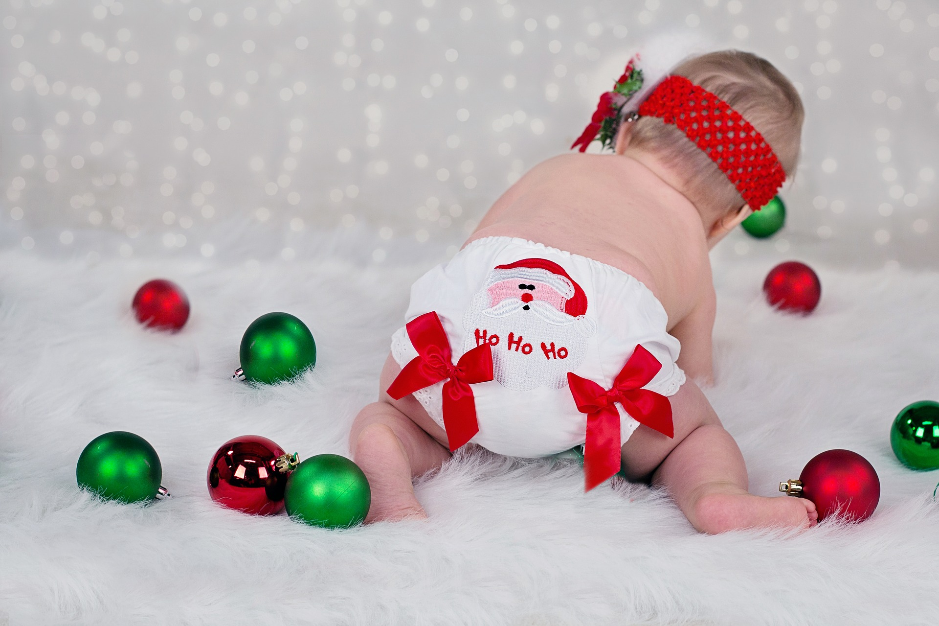 9 Creative Ideas For Holiday Cards Featuring Your Baby