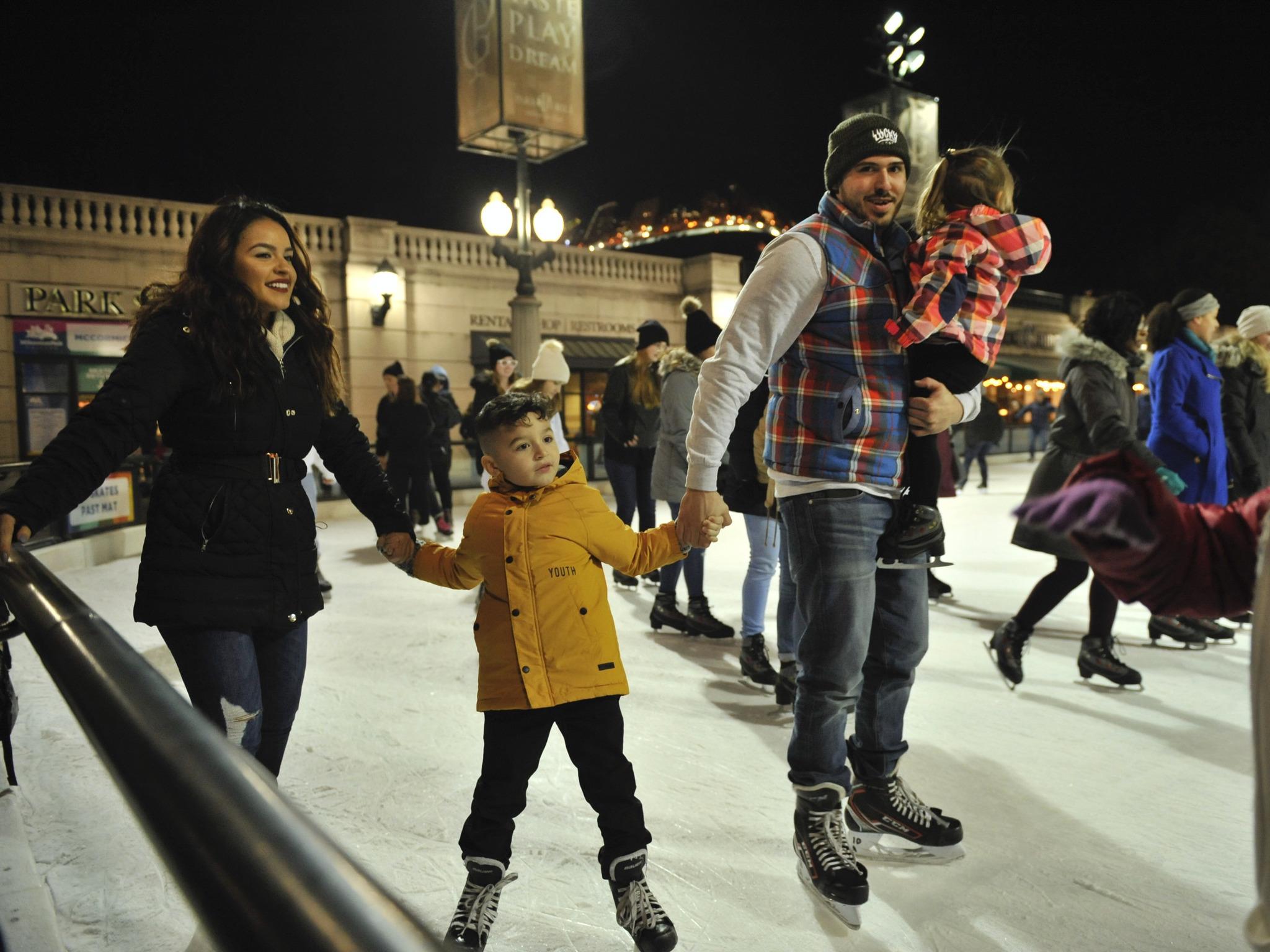 indoor ice skating chicago
