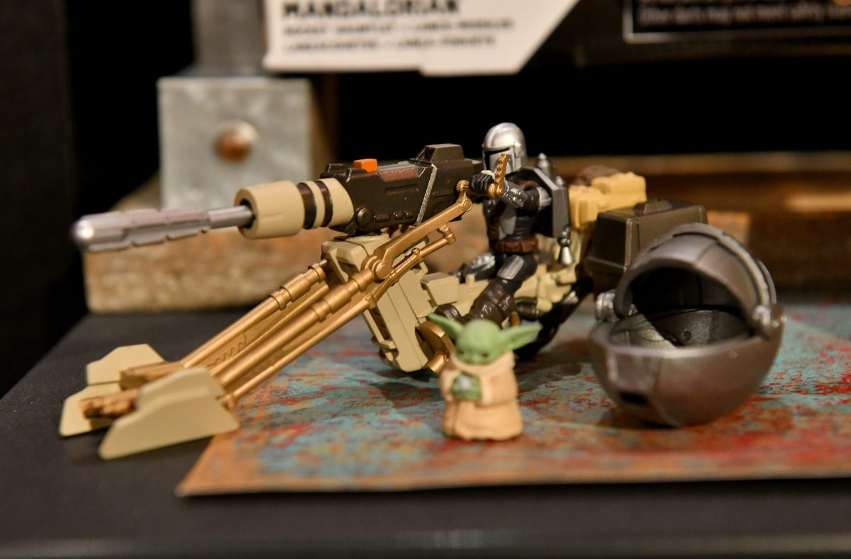 Baby Yoda Mandalorian Figures