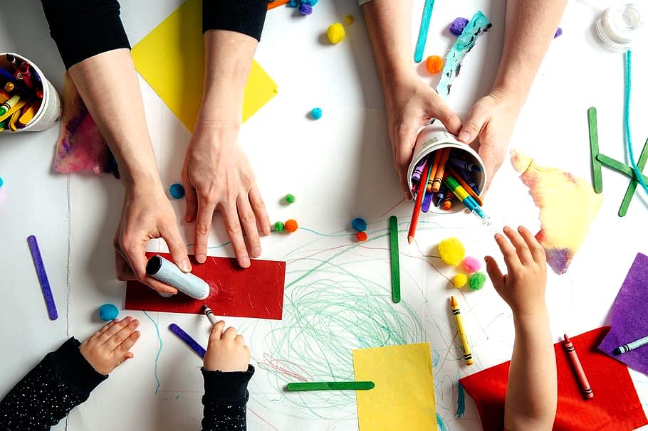 Fun Arts & Crafts Online Tutorials for Your Little Artists