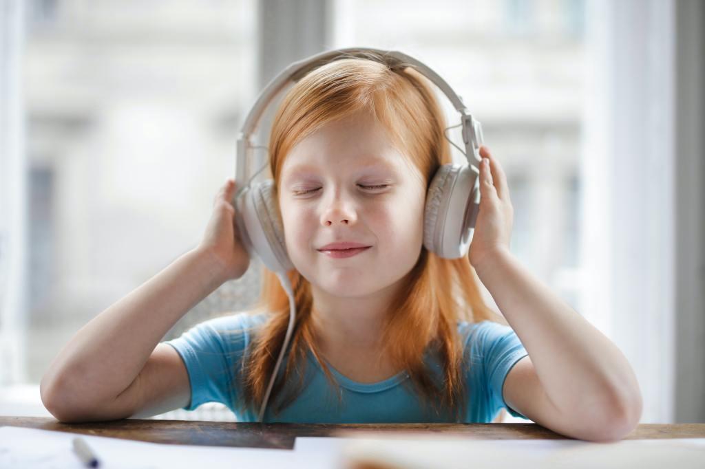 girl headphones