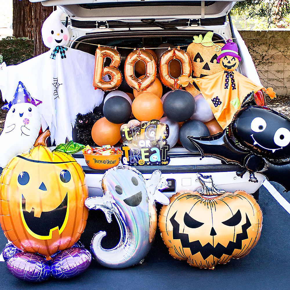 2020 Halloween Trick Or Treat Party City Party City Is Selling Themed Halloween Trunk Or Treat Kits
