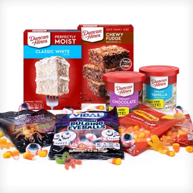 Duncan Hines Halloween Baking Kit