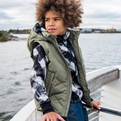 kids jacket, kid on boat
