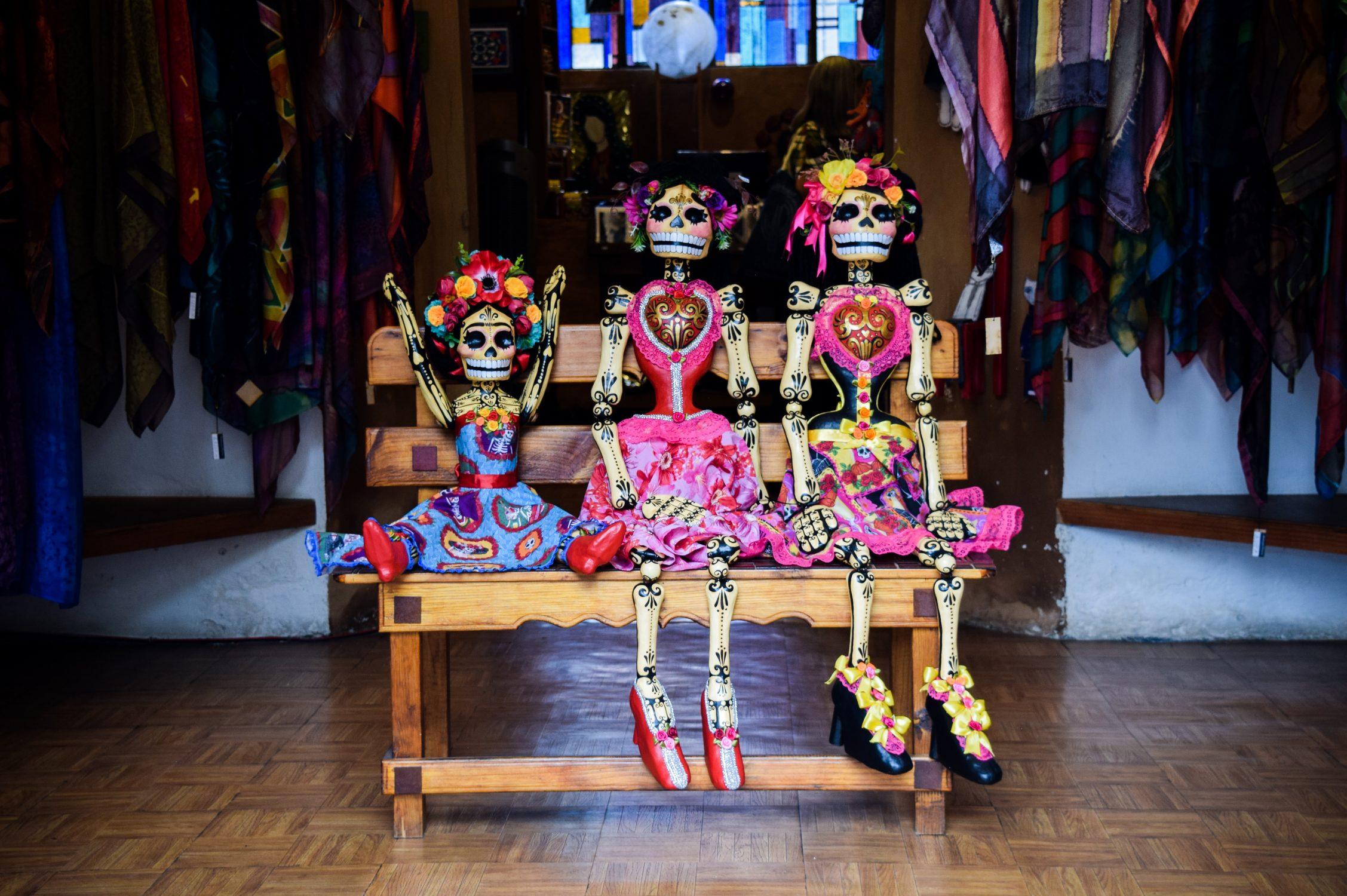 Airbnb Wants to Celebrate Día de los Muertos with You––Virtually, of Course