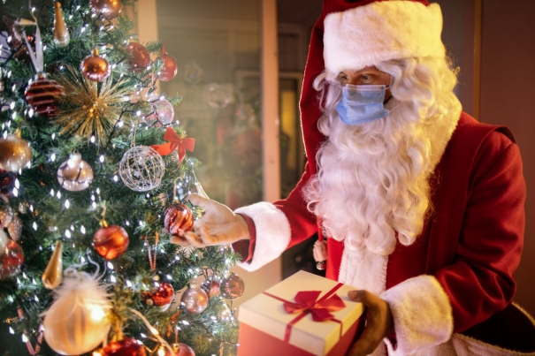 9 Ways Your Little Elf Can Talk To Santa This Christmas