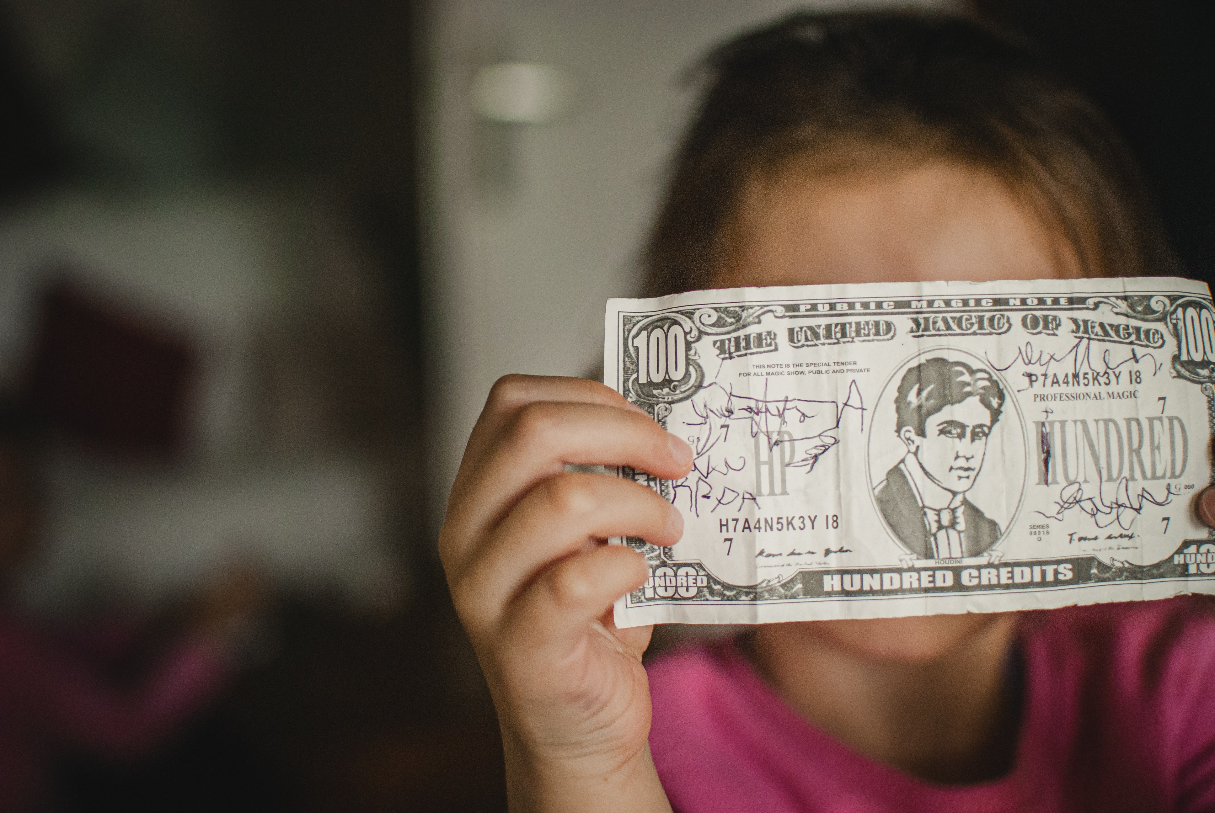 How to Teach Your Kids Valuable Financial Lessons at Every Age