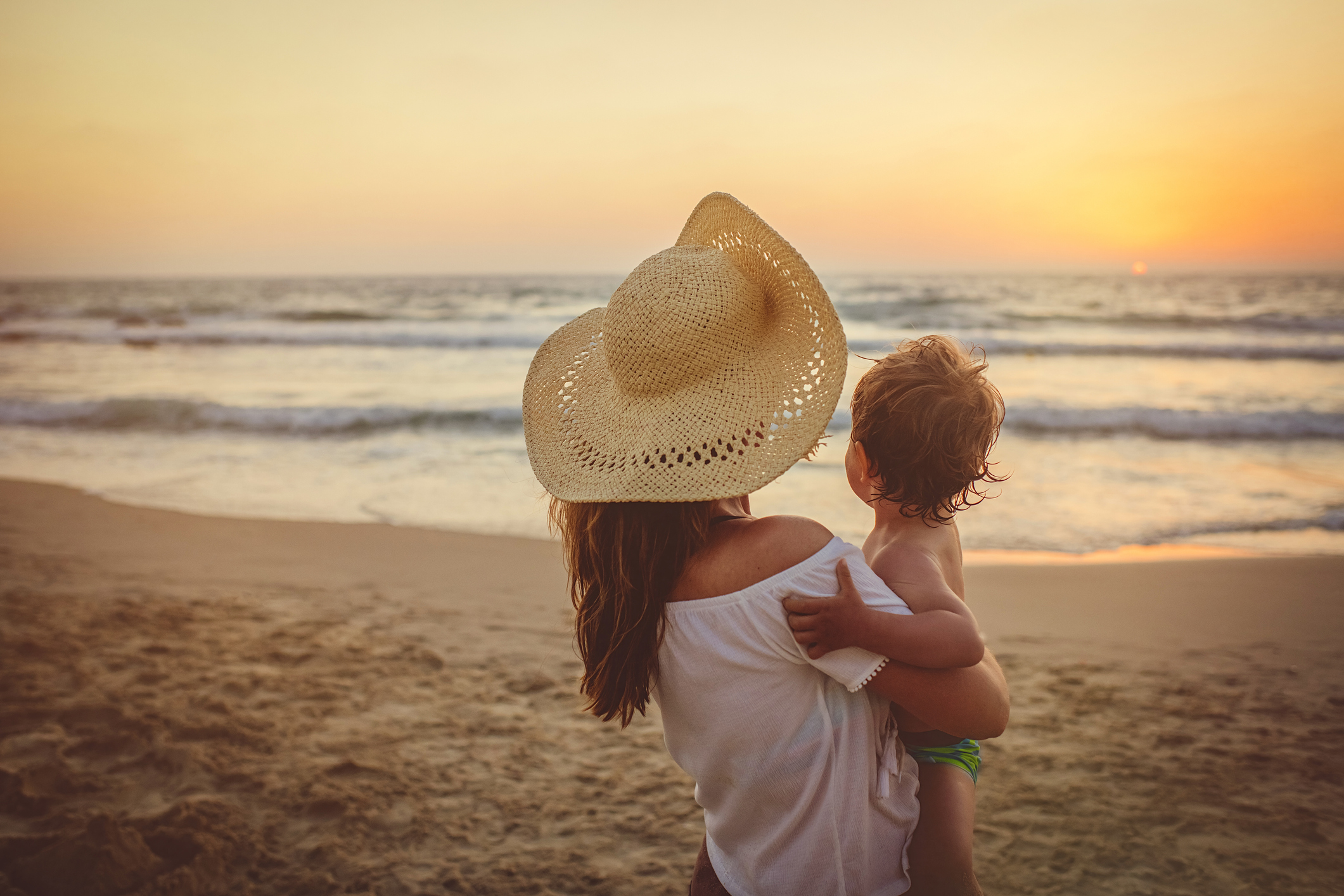 Baby Beach Hacks 20 Mom Approved Tips to Make It Manageable