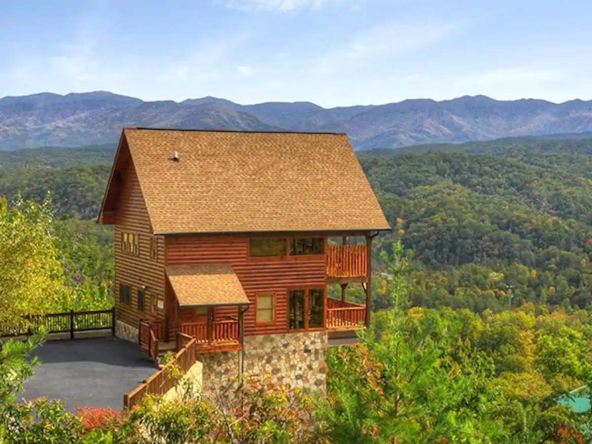 These Cozy Cabins Are Perfect for Your Next Smoky Mountains Visit